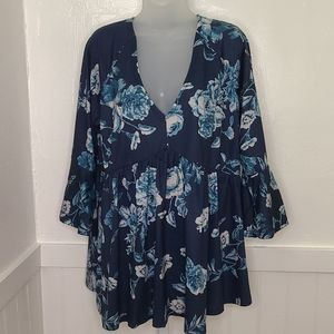 Suzanne Betro Women's Blue Floral Top   1X